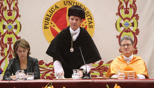 La presidenta de Navarra, Yolanda Barcina, durante el evento de apertura del curso académico de la UPNA.