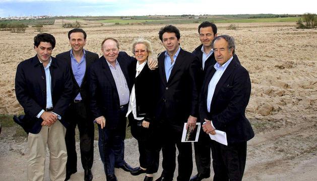 Sheldon Adelson, en una visita a unos terrenos en Alcorcón.