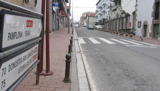 Aspecto de la calle San Martín, en el centro urbano de Irurtzun