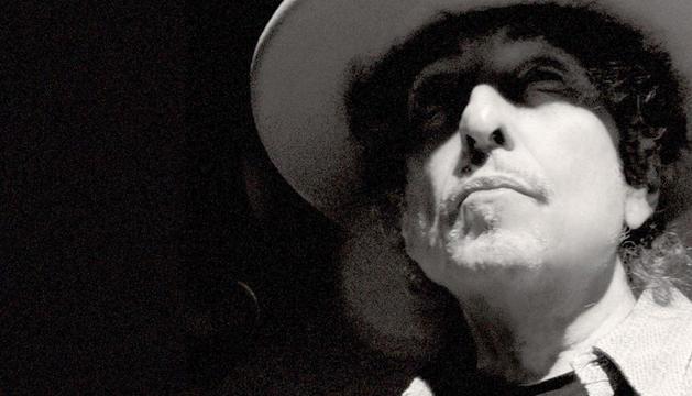 Bob Dylan publica