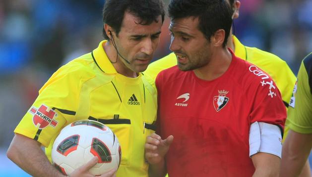Pérez Lasa, junto a Miguel Flaño, en un partido anterior