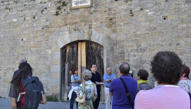 Primer recorrido por la cara fortificada de Pamplona
