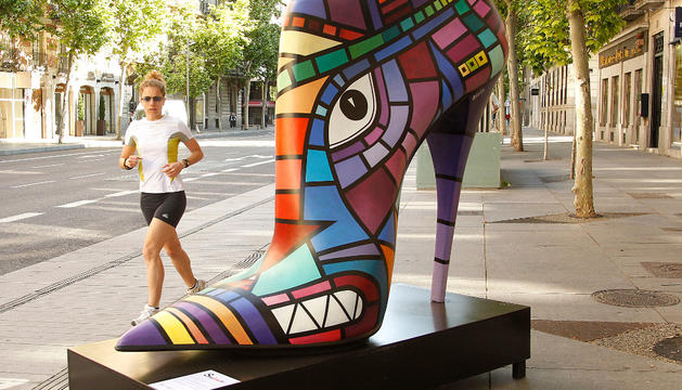 """Zapatos-escultura que formarán parte de la expo Shoe Street Art entre el 1 y el 6 de octubre con motivo de """"Ensanche La Nuit"""""""