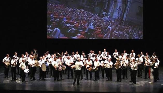 Imágenes de la trayectoria de la  Banda de Música de Pamplona La Pamplonesa a través de sus 93 años de existencia, amenizando los principales eventos oficiales de la ciudad.