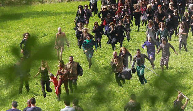 Un momento del rodaje de Brujas de Zugarramurdi, ayer por la mañana