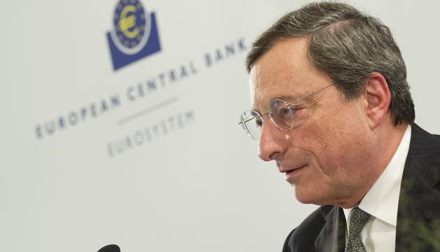 El presidente del Banco Central Europeo, Mario Draghi, durante el anuncio este jueves.