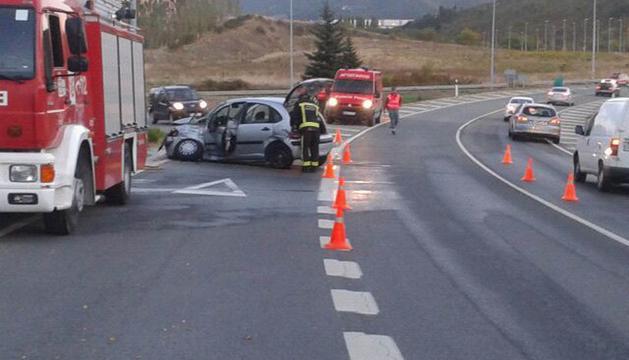 Imagen del accidente en la Ronda Norte a la altura de Olloki