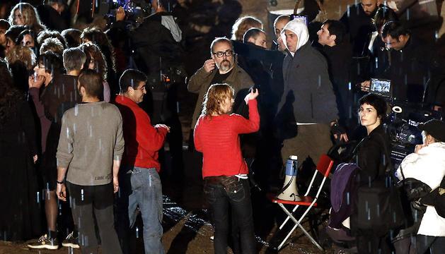 Momento del rodaje de una de las escenas de la película 'Las brujas de Zugarramurdi', del director Álex de la Iglesia.