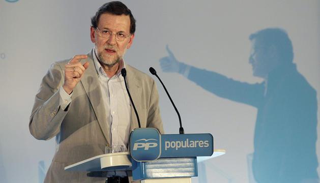 El presidente del Gobierno, Mariano Rajoy, durante su intervención un acto electoral en Galicia.