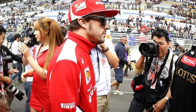 El alemán Sebastian Vettel (Red Bull) se impuso con autoridad en el Gran Premio de Corea del Sur de Fórmula Uno disputado en el circuito de Yeongam y ascendió al primer puesto de la clasificación.