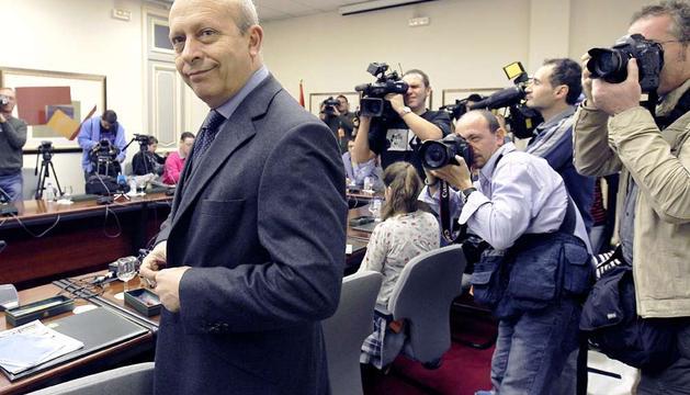 El ministro de Educación, Cultura y Deporte, momentos antes del encuentro que ha mantenido hoy con los medios de comunicación.