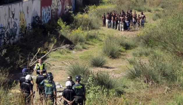 Junto a  la valla fronteriza de Melilla
