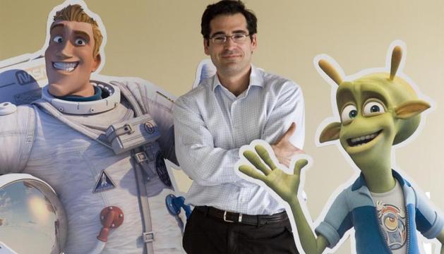 Ignacio Pérez Dolset, con los protagonistas de su primera película de animación, Planet 51