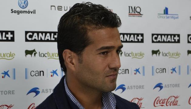Masoud, en la rueda de prensa de este lunes en Tajonar