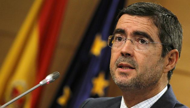 El secretario de Estado de Economía, Fernando Jiménez Latorre, durante la rueda de prensa que ha ofrecido hoy para valorar el dato de la Encuesta de Población Activa (EPA) del tercer trimestre.