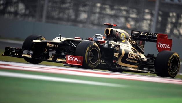 Raikkonen seguirá conduciendo en Lotus en 2013