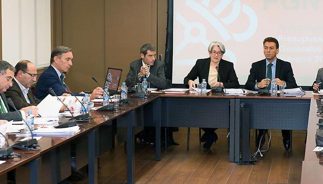 Al fondo, San Miguel, Goicoechea, Franco y Valdemoro, durante la reunión del CES
