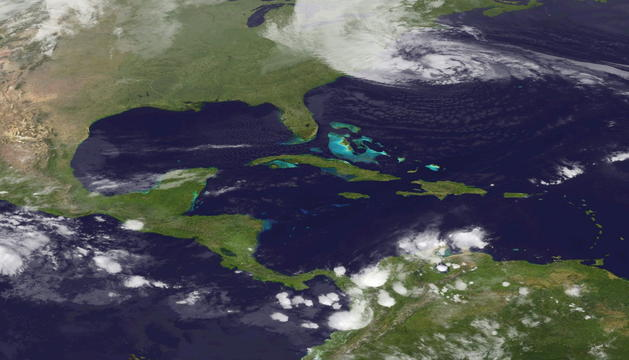 Imagen del satélite que muestra al huracán avanzando hacia el nordeste de Estados Unidos