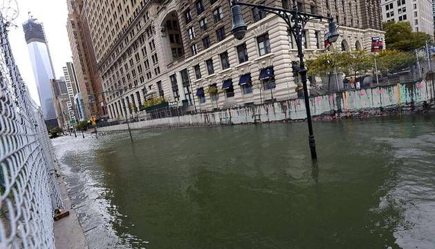 La fotógrafa navarra Maite Hernández Mateo lleva residiendo 6 años en Nueva York y ha enviado a Diario de Navarra algunas de sus mejores imágenes del huracán 'Sandy' (www.maitehmateo.com)