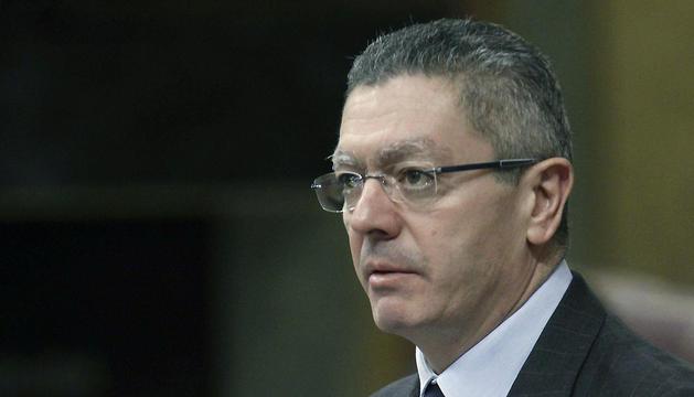 El ministro de Justicia, Alberto Ruíz Gallardón, durante su intervención en el pleno del Congreso.