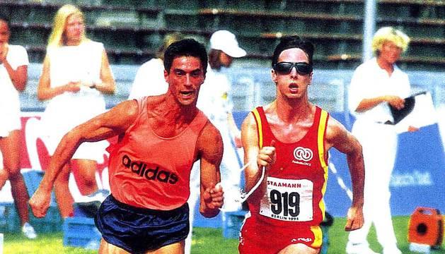 Enrique Sánchez-Guijo y Carlos Chavarren durante los 200 metros en un Campeonato Mundial de Berlín.