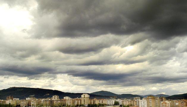 Nubes sobre la comarca de Pamplona