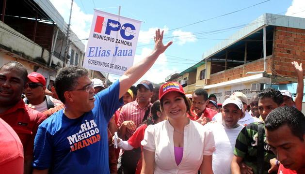 El candidato oficialista a la Gobernación del Estado Milanda, Elías, Jaua, durante el acto de lanzamiento de su campaña.