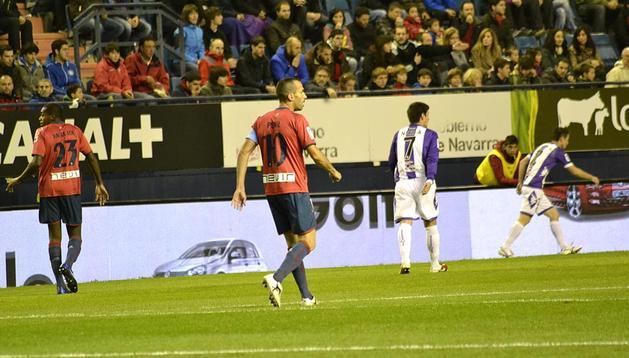 Osasuna perdió este domingo su segundo partido de liga en Pamplona, esta vez ante el Real Valladolid, lo que le descuelga de la lucha por salir del último puesto de la clasificación y le sitúa a tres puntos del penúltimo clasificado.