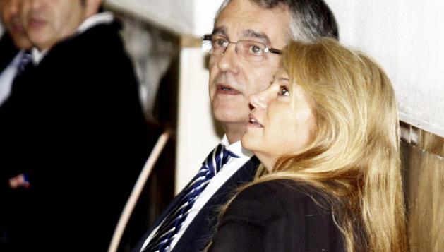 La ex directora de Marketing de Over, Enrriqueta Sierra, en los juzgados de Instrucción de la capital balear, donde acudió a declarar por el caso Over.