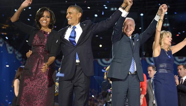 El candidato demócrata y actual presidente de Estados Unidos, Barack Obama, ha sido reelegido con al menos 303 votos electorales tras ganar en casi todos los estados claves, frente al aspirante republicano, Mitt Romney.