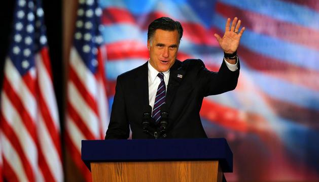 El candidato republicano, Mitt Romney, tras admitir su derrota