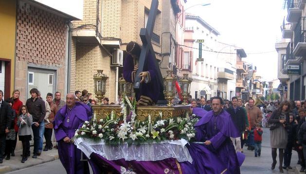La procesión y misa en honor del Santo Cristo de la Siembra concentraa cientos de vecinos