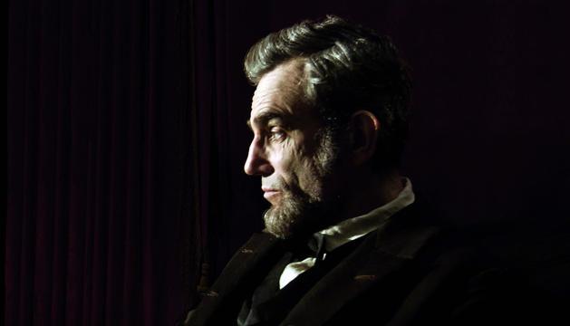 Daniel Day-Lewis caracterizado como Abraham Lincoln