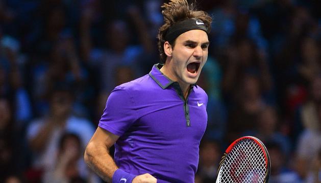 Federer celebra su victoria ante Murray