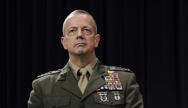 El general de las tropas de Estados Unidos y la OTAN en Afganistán, John Allen.