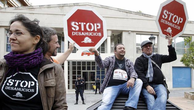 Concentración en Valencia contra los desahucios