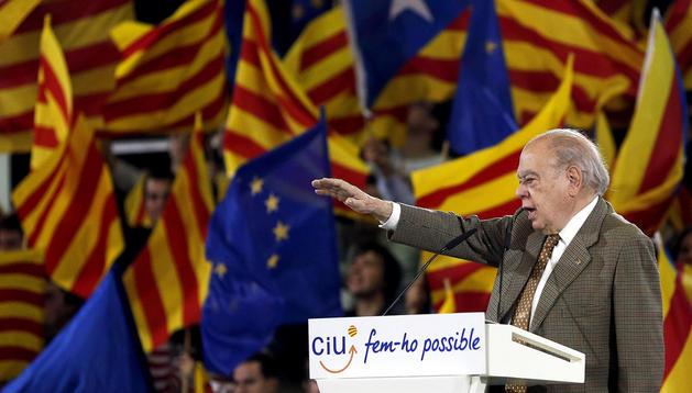 El expresidente de la Generalitat, Jordi Pujol, durante un mitin de CiU de campaña electoral.
