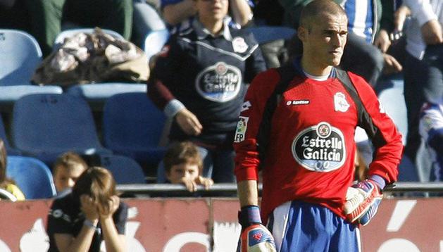 El futbolista del Deportivo de La Coruña, Álex Bergantiños, tuvo que ocupar la portería al no tener más cambios su técnico.