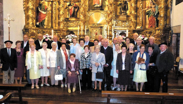 Instantánea de los homenajeados semanas atrás en el Día del Socio de la asociación Arkupeak en la parroquia de Santesteban.