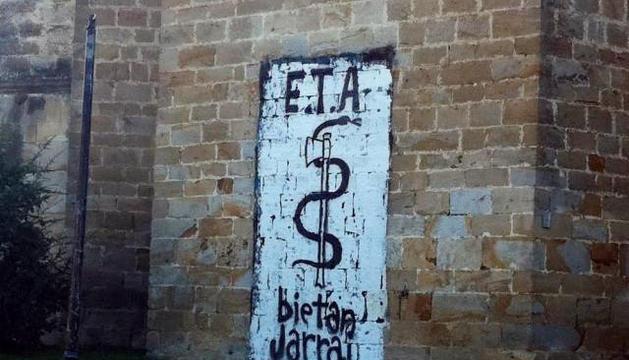 Un muro con el anagrama de ETA