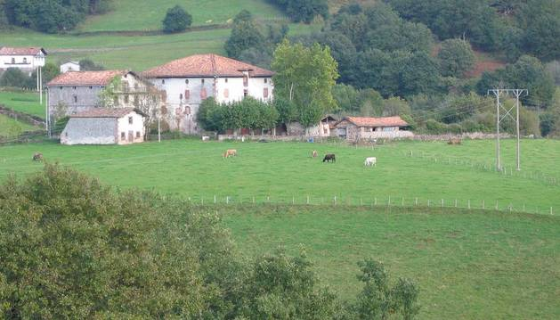 Aspecto exterior del Palacio Aroztegia, de Lekaroz