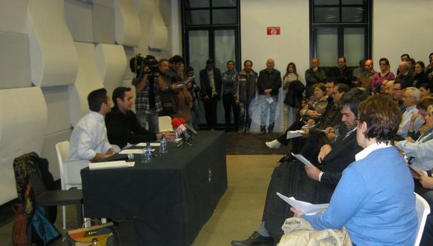 Primera reunión de la plataforma de los vecinos afectados por Asfi
