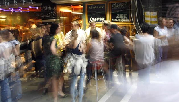 La medida afectará a discotecas y salas de fiestas; a bares especiales y cafés espectáculo con un aforo permitido de, al menos, 100 personas