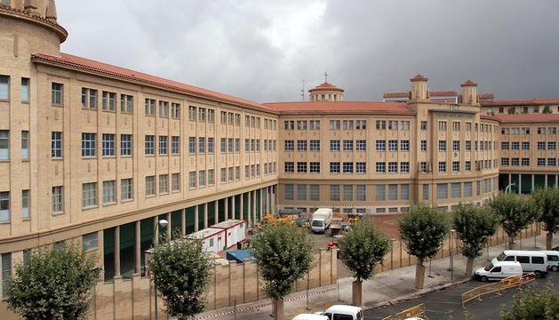 El antiguo colegio de los Maristas, visto desde la avenida Galicia, donde ahora el objetivo es construir viviendas y una zona comercial.