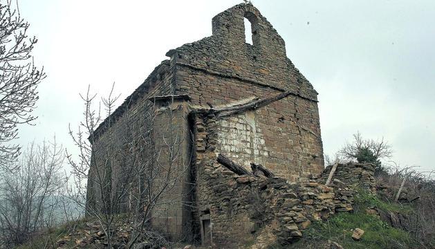 En la foto se puede comprobar el deteriorado aspecto de la ermita en marzo de 2010