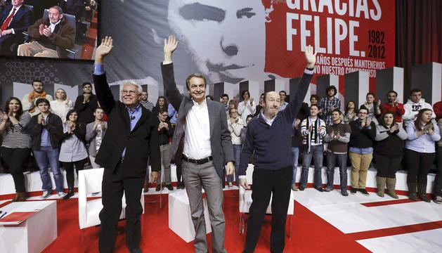 González, Zapatero y Rubalcaba, en el homenaje al primero.