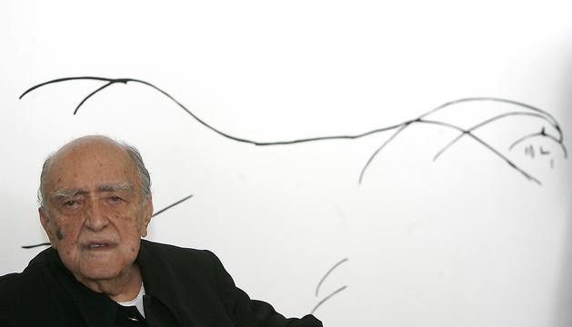 Fotografía de archivo del 14 de diciembre de 2007 que muestra al arquitecto brasileño Óscar Niemeyer.
