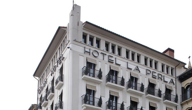 El Hotel La Perla, visto desde la Plaza del Castillo