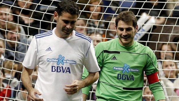 Casillas, junto a Fernando Hierro, en el 'Partido por la ilusión'