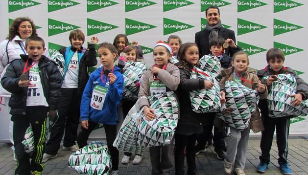 Imagen de los ganadores en la II Carrera infantil de la Navidad